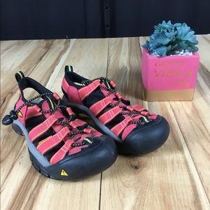 Keen closed toe waterproof sandals salmon pink